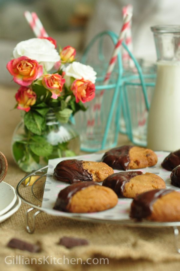 ginger nut biscuits and flowers