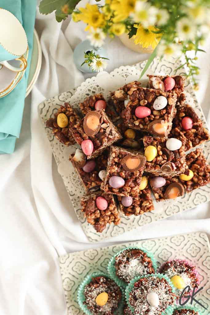 chocolate rice crispy fridge cake from above with flowers