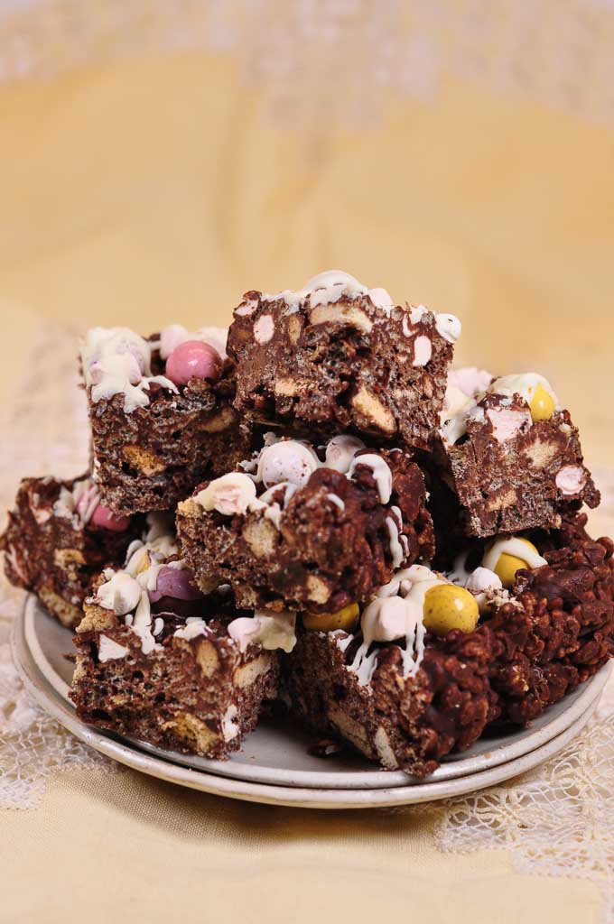 Chocolate Rice Crispy Fridge Cake-7