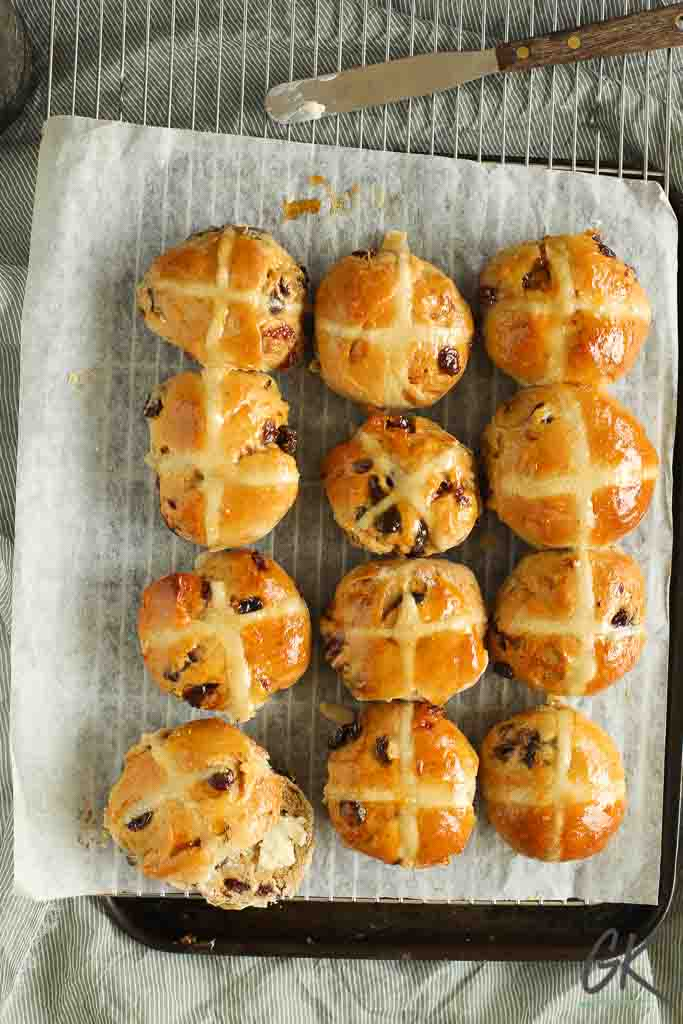 hot cross buns from above