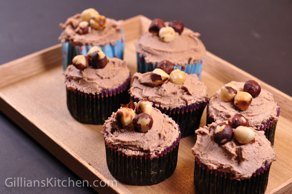 Chocolate Hazelnut Cupcakes: Based on a hummingbird bakery ...
