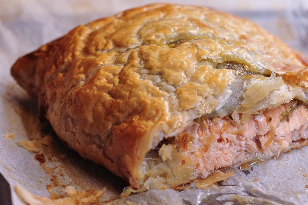 Pesto salmon en Croute: Gillian's Kitchen,simple,no fuss ...