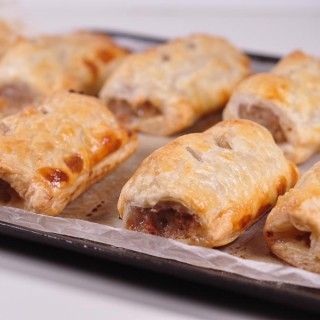 quick sausage rolls cooked 3