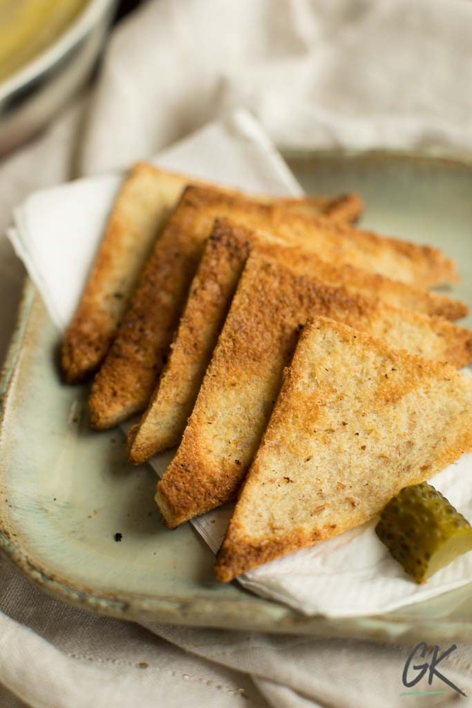 chickn liver pate melba toast xmas tree