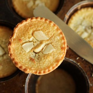 frangipane mince pies, in tin 1