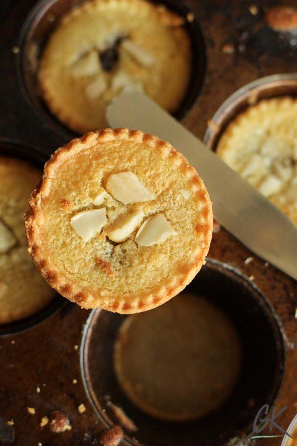 frangipane mince pies, in tin 1