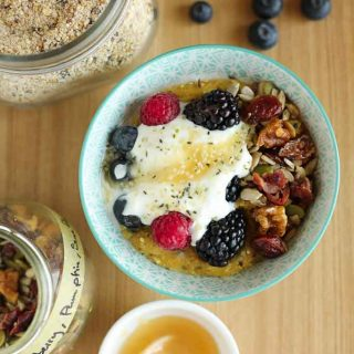 Protein Packed Breakfast Porridge With Oats, Quinoa and Chia