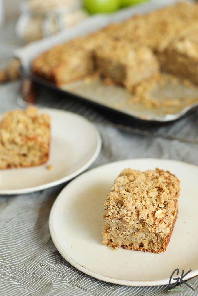 Apple Crumble Breakfast Muffin Tray Bake slice