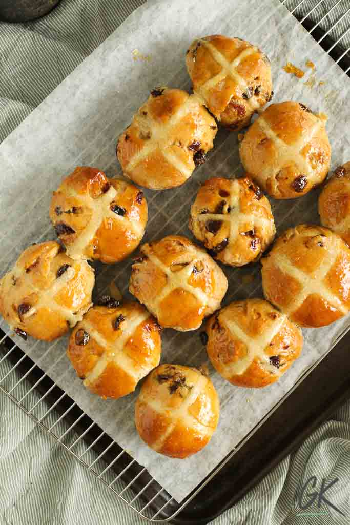 hot cross buns from above at angle